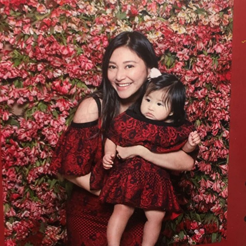 Feel the motherly love of Rufa Mae for her daughter Athena in this gallery!