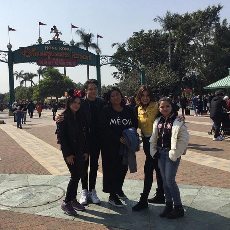 PHOTOS: Halina't samahan ang Home Sweetie Home family sa paglilibot sa Hong Kong Disneyland